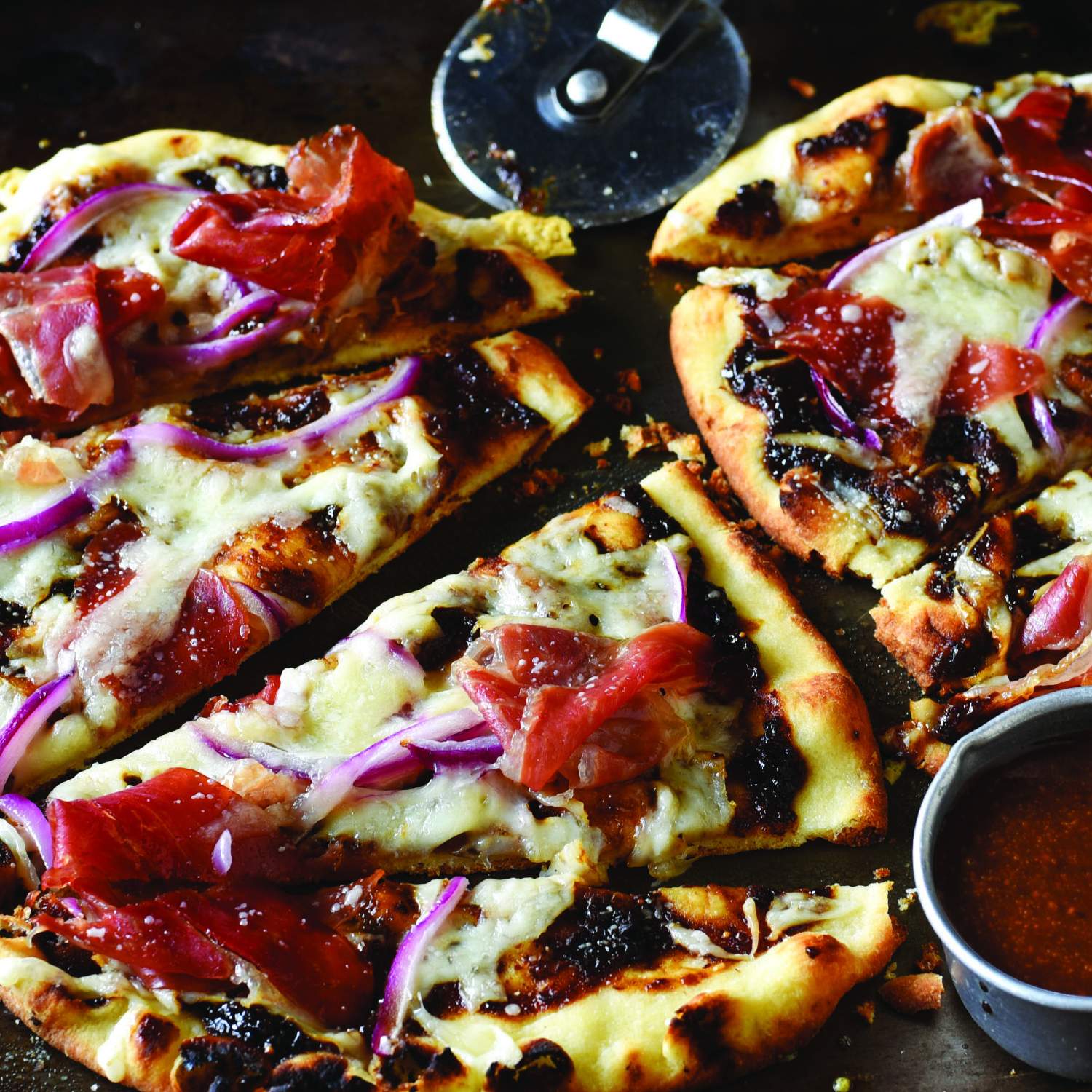 fig mustard prosciutto flatbread pizza
